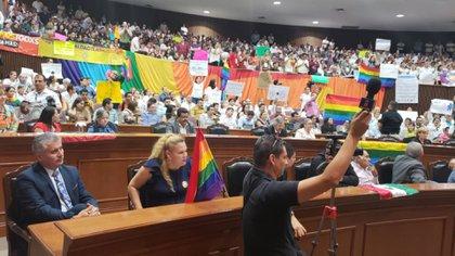 Algunos diputados de Morena votaron en contra (Foto: Twitter congresosinaloa)