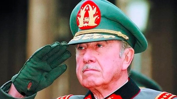 Augusto Pinochet (AP)