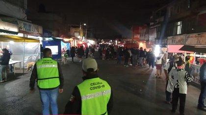 Cientos de personas salieron con sus hijos a pedir dulces a pesar de la pandemia Foto: Gobiernos de Ecatepec