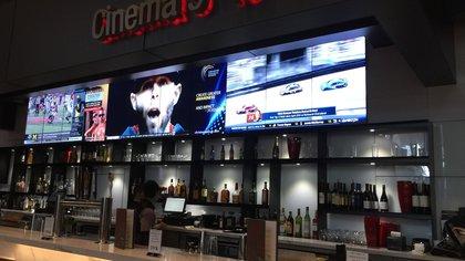 Fotografía del interior de la sala de cine CMX, situada en el centro comercial Brickell Centre en Miami, Florida (EE.UU.). EFE/Ana Mengotti/Archivo