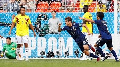 Yuya Osako celebra el segundo gol de Japón frente a Colombia (Reuters)