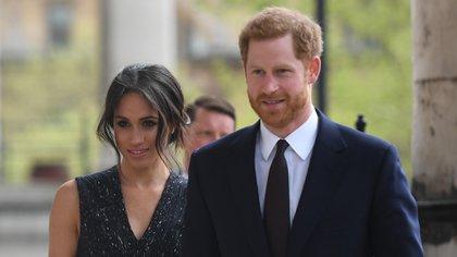Meghan Markle y el príncipe Harry siguen siendo noticia pese a renuncia a la familia real británica