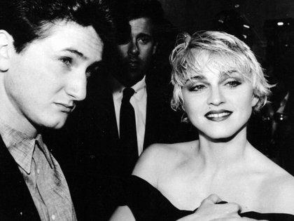 Sean Penn y Madonna formaron una de las parejas juveniles más famosas de los años 80 (AP)