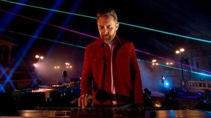 David Guetta durante su performance en la ceremonia (Foto: MTV)