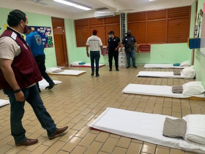 En el estado de Quintana Roo se habilitaron refugios temporales, ante un posible impacto de Marco (Foto: Twitter @ProtCivil_QRoo)