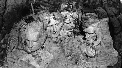 Desde que se completó su construcción en 1941, varios visitantes y activistas han trepado ilegalmente el monumento (Foto: Archivo)