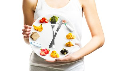 Existen horarios ideales, según la ciencia, para desayunar, almorzar y cenar (iStock)