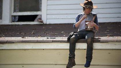 Los fanáticos vieron crecer a Carl Grimes (Chandler Riggs) a lo largo de las siete temporadas de The Walking Dead.