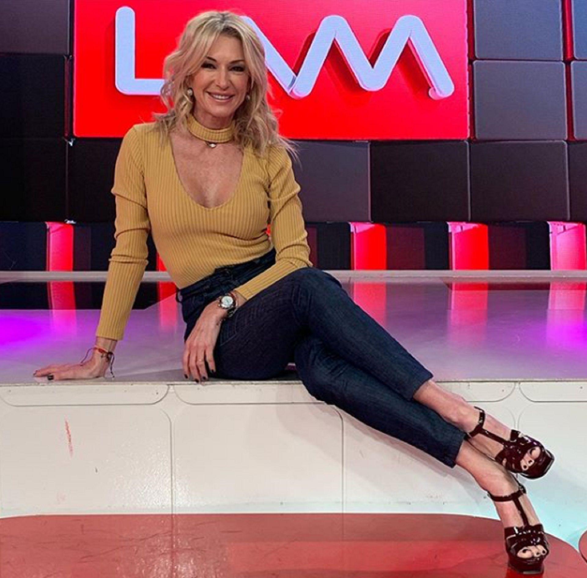 """Yanina Latorre se destaca como panelista de """"Los ángeles de la mañana"""""""