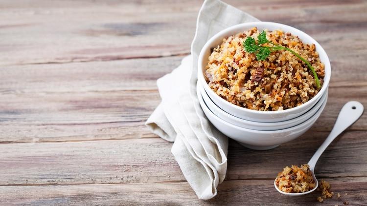 Sopa de quinoa, un platón que se puede combinar con proteína animal (Getty)