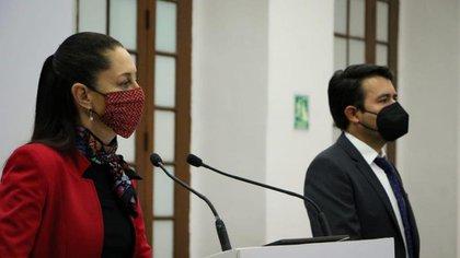 Por otro lado, Sheinbaum Pardo señaló que el perfil de las personas hospitalizadas por el coronavirus es similar al del inicio de la pandemia: personas mayores de 55 años y con enfermedad (Foto: Gobierno de la Ciudad de México)