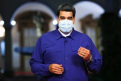 """10/10/2020 El presidente de Venezuela, Nicolás Maduro.  El presidente de Venezuela, Nicolás Maduro, ha denunciado este sábado que el Ejército de Colombia está entrenando en suelo colombiano a """"más de mil"""" mercenarios para ser enviados en labores de sabotaje y terrorismo a Venezuela.  POLITICA SUDAMÉRICA VENEZUELA PRESIDENCIA VENEZUELA"""