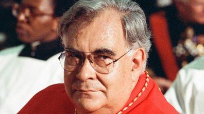 """De acuerdo con Charles Bowden, hubo una investigación, arrestos, y una explicación oficial del gobierno que el cardenal falleció de manera accidental en un cruce de balas entre narcotraficantes. """"Nadie cree la explicación oficial del asesinato del cardenal"""", dijo (Foto: Twitter@thepainterflynn)"""