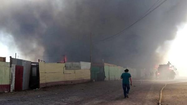 Las autoridades tuvieron que evacuar a 700 personas (EFE)