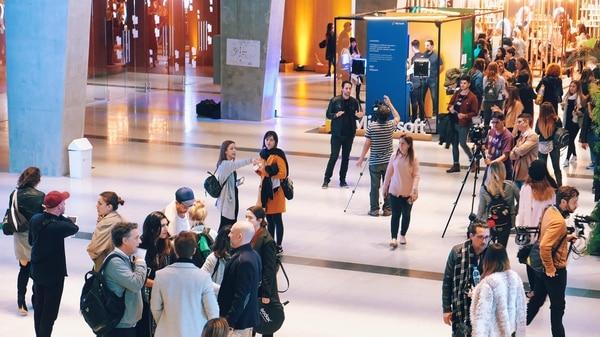 Experiencias de realidad mixta e inteligencia artificial, en la semana de la moda en Buenos Aires.