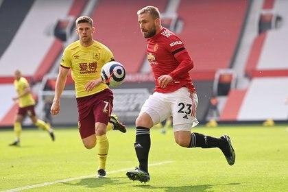 Luke Shaw es una de las figuras del Manchester United (Reuters)