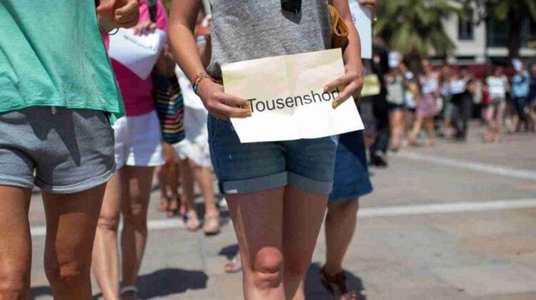 083a8c8bc9 Peligrosa tendencia en Francia  acosan a las mujeres que usan shorts ...