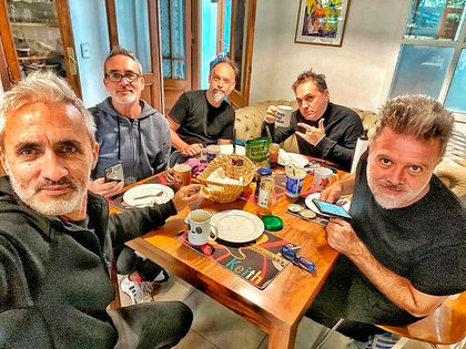 Los Pericos, en cuarentena, en la casa de Baleiron (Instagram)