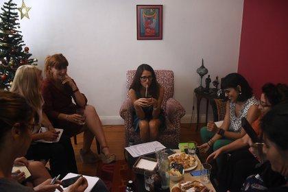 La ministra recibió a las periodistas especializada en género en su casa (Nicolás Stulberg)