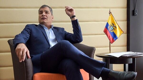 Rafael Correa, cuyo futuro político está en juego en la consulta y referéndum (AFP)