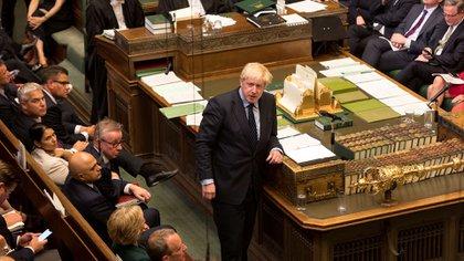 Boris Johnson hablando en la Cámara de los Comunes, el pasado 3 de septiembre (©UK Parliament/Roger Harris/Handout via REUTERS)