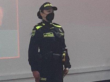 Nuevo uniforme de la Policía de Colombia. Foto: captura de video BluRadio.