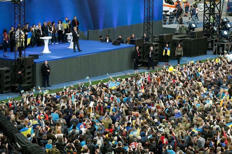 La llegada al debate del presidentePetro Poroshenko (AP Photo/Efrem Lukatsky)