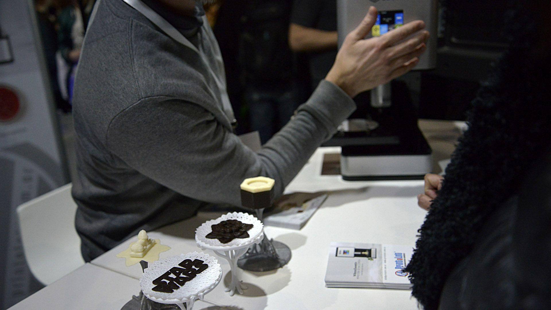 Los diseños de chocolate en 3D se hacen con chocolate fundido