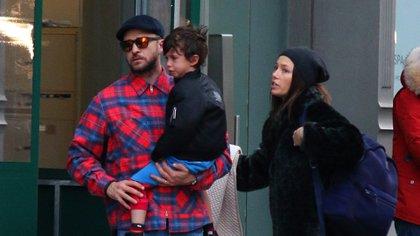 Justin Timberlake y Jessica Biel con su hijo Silas  (The Grosby Group)