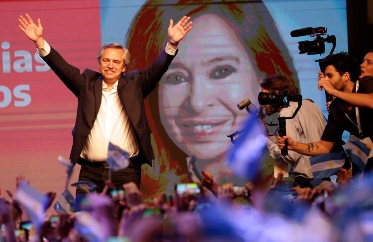 Alberto Fernández, presidente electo, durante los festejos por su victoriapolítica