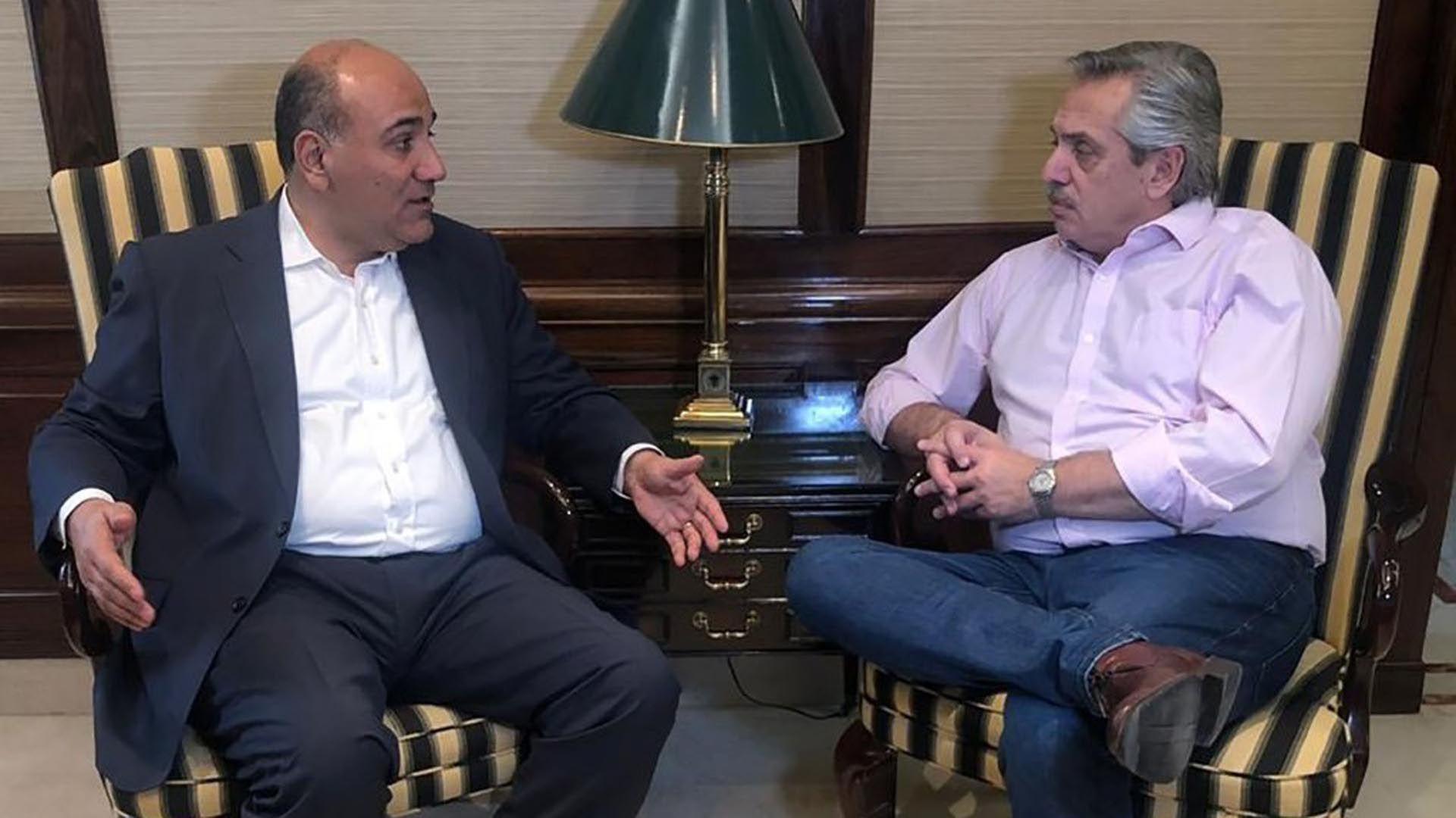 Alberto Fernández y Juan Manzur durante un encuentro en Tucumán
