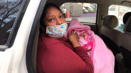 Entregaron recién nacida a familia equivocada en Hospital Materno Infantil de NL