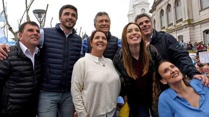 """Una de las marchas del """"sí, se puede"""" con las que Macri levantó los guarismos del 11 de agosto. Aquí, en Olavarría. (Foto NA)"""