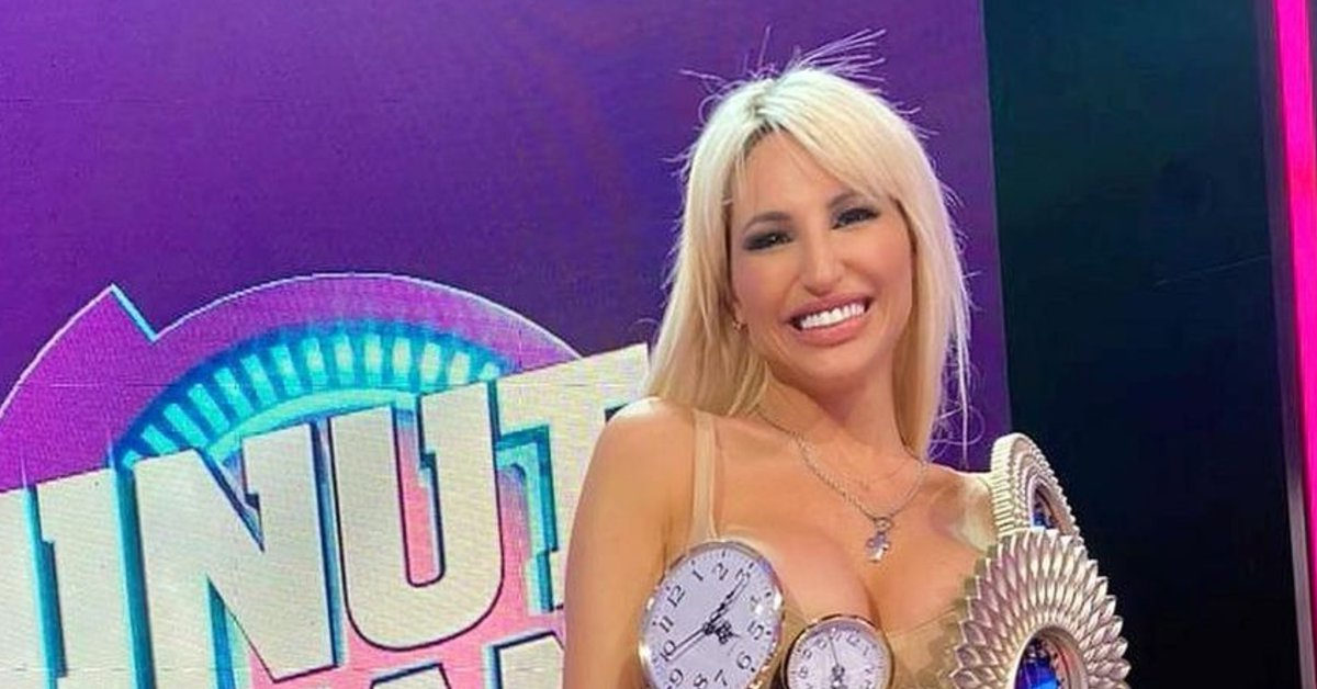Vicky Xipolitakis's extravagant dress that surprised everyone in Minute to win: