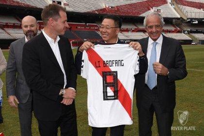 Li Baofang, director de la empresa, estuvo visitando el Monumental