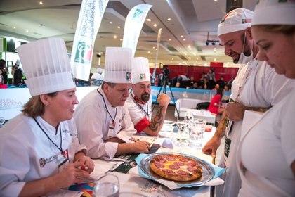 """Buscan, con sus manjares, formar parte de la selección que representará a la Argentina en el """"Campeonato Mundial de la Pizza"""" en Italia 2019"""