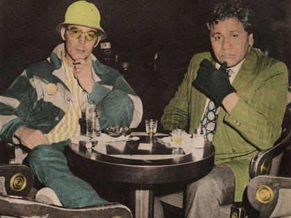 Hunter Thompson y Oscar Zeta Acosta, su amigo, abogado y cómplice