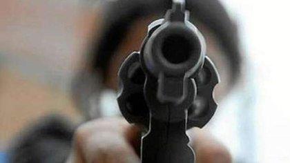 En Santa Marta, un hombre disparó contra jóvenes porque le patearon sus faroles. Foto: De referencia.