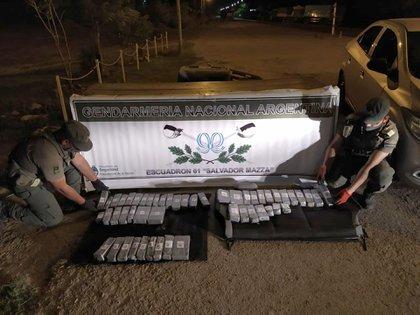 29 kilos y 700 gramos de cocaína encontrados en un auto durante un control vial de Gendarmería en Tartagal