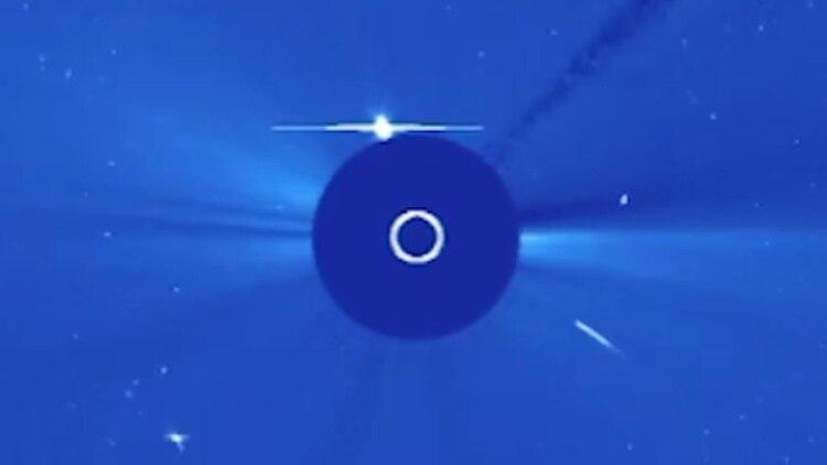 La foto captada por Soho de la NASA, con el cometa aproximándose (NASA)