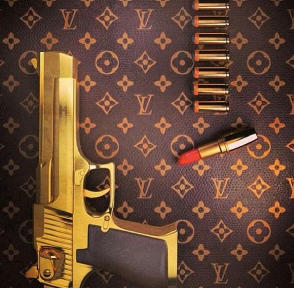 La pistola de oro de Sidney Himbara Jr