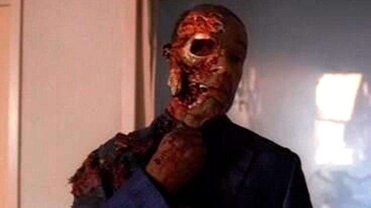 Aaron Paul tiene en su casa la máscara ensangrentada de Gus Fring