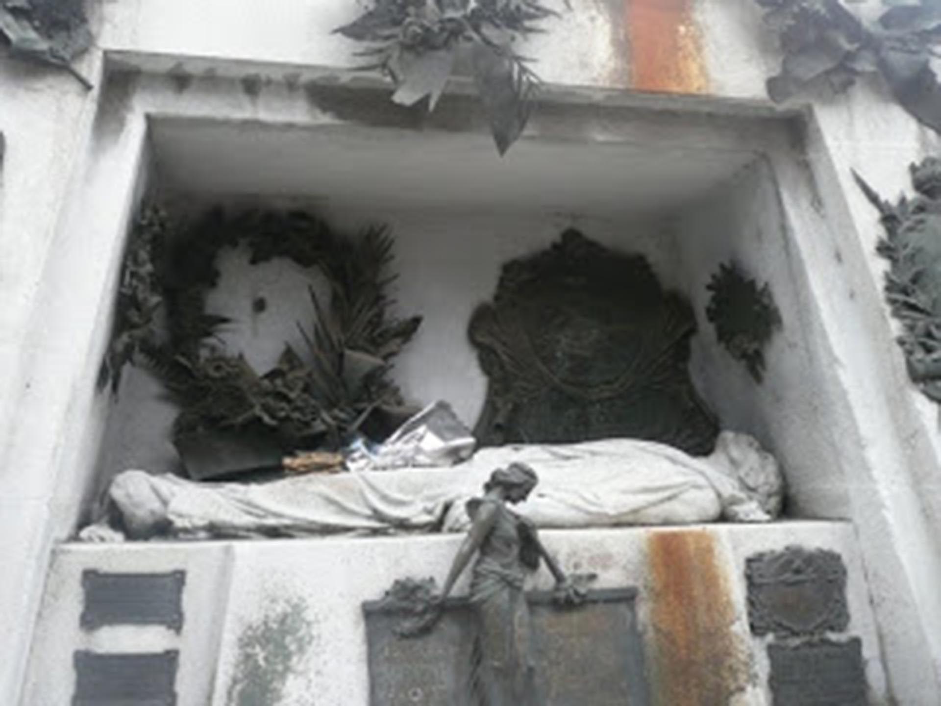 El mausoleo en donde está enterrado Ramón Falcón