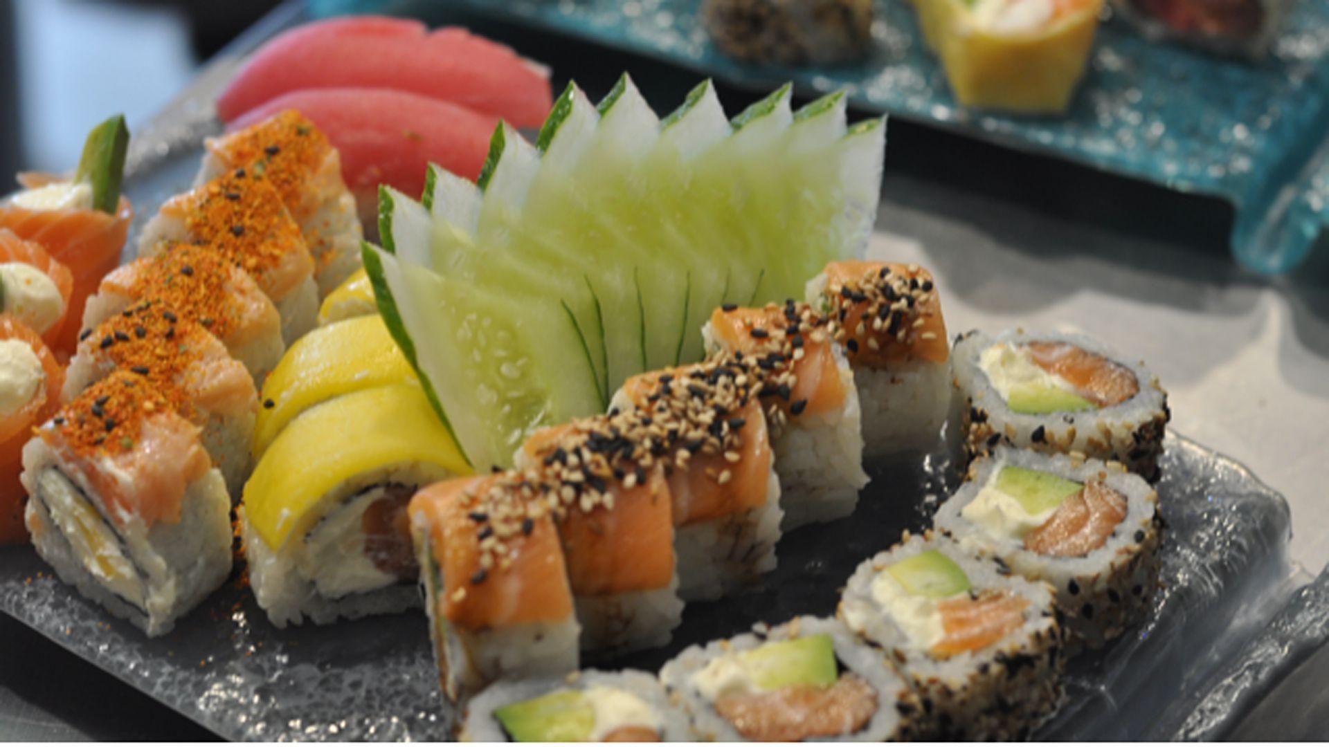Piezas de sushi by Osumi