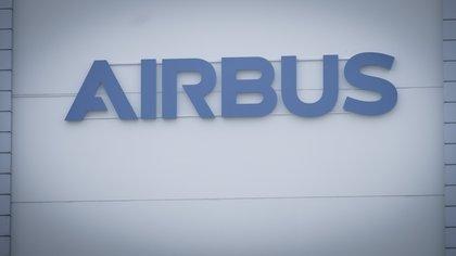 View of the Aibus Logo (EFE / Focke Strangmann / Archive)