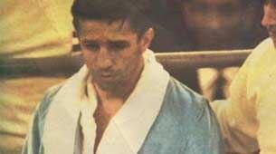 El campeón no sólo peleaba sus contratos, también aprovechaba hasta para hacer negocios con la chatarra de los Lectoure, como cuando se ganaba la vida de chatarrero antes de hacerse profesional.