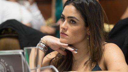 CIUDAD DE MÉXICO, 12MARZO2019.- Los diputados del Partido Verde Ecologista de México (PVEM) presentarán esta semana una iniciativa para reformar el Código Penal de la Ciudad de México, con el fin de que se castigue con penas de 7 a 14 años de cárcel, a quien cause lesiones a las mujeres mediante el uso de ácidos, sustancias corrosivas y mutilaciones. Así lo anunció este martes la diputada del PVEM, Alessandra Rojo de la Vega Píccolo, en conferencia de prensa acompañada por Ana Saldaña Aguilar y María del Carmen Sánchez, víctimas de violencia de género, y por el abogado José Luis Nassar. La congresista aseguró que en la Ciudad de México, se vive una ola de violencia en contra de las mujeres, y detalló que, de acuerdo con el Sistema Nacional de Seguridad Pública, enero de 2019 fue el mes más violento de los últimos 30 años.FOTO: CUARTOSCURO.COM
