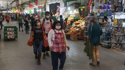 Vendedores y compradores deberán poner atención a las principales medidas de protección. (Foto: Cuartoscuro)