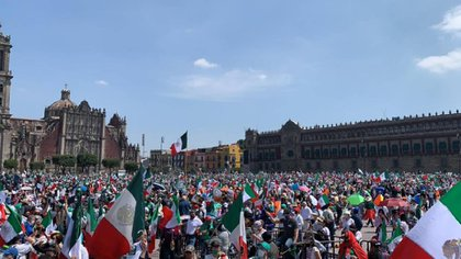 FRENAAA demonstration demanded the departure of AMLO (Photo: Twitter @ OficialFrenaaa)