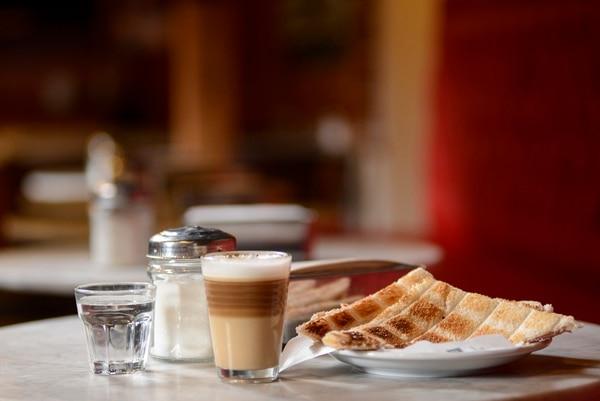 Varias son las opciones para acompañar los cafés que sirven en Café Cortázar